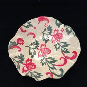 קערה עם קישוטי פרחים מקרמיקה